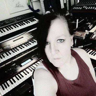 IcingWolf - Monika Freerk - Electronic music of Brainvoyager - Electronic Fusion