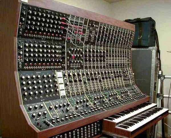 Moog Synthesizer - Electronic Music of Brainvoyager